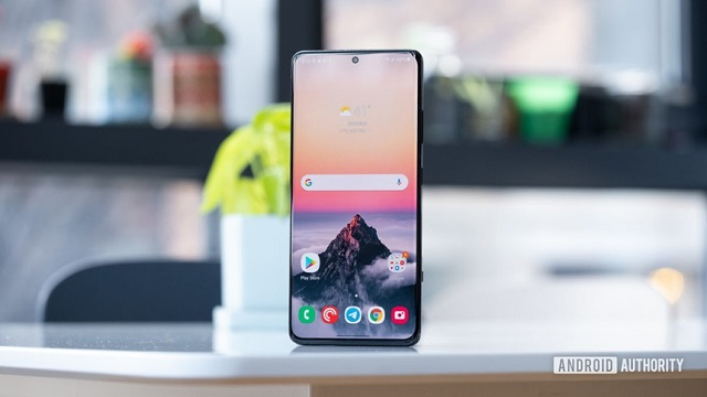 Màn hình OLED trên smartphone hiện đại đã được cải thiện rất nhiều. Ảnh: Android Authority.