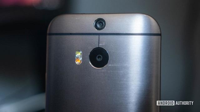 Khả năng thu phóng là một trong những điểm yếu trên camera của smartphone đời đầu. Ảnh: Android Authority.