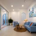 """<p class=""""Normal""""> Ngôi nhà thu hút ngay từ cái nhìn đầu tiên bởi lối kiến trúc Đông Dương, gây ấn tượng bởi màu sắc tươi mới, sử dụng những vật liệu quen thuộc kết hợp tối giản nhưng không hề đơn giản. Ta cảm nhận được hơi thở vừa gần gũi vừa sang trọng.</p>"""