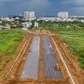 <p> Sau nhiều lần điều chỉnh quy hoạch, tổng diện tích khu đất chỉ còn khoảng 117,4 ha theo Quyết định số 6296/QĐ-UBND về phê duyệt quy hoạch chi tiết 1/500 ngày 30/11/2015. Đến nay, sau hơn 20 năm triển khai, dự án khu đô thị Sài Gòn Bình An đã được khởi công.</p>
