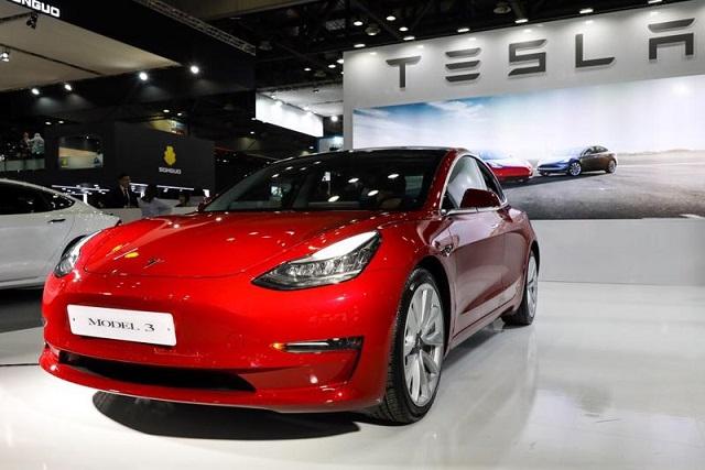 Lợi nhuận Tesla tăng gấp hơn 10 lần sau một năm