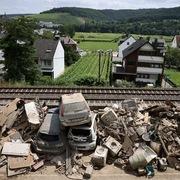 Vận tải biển toàn cầu lại bị gián đoạn, lần này do lũ lụt ở châu Âu và Trung Quốc