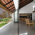 <p> Từ đó, kiến trúc sư của Dom Architect Studio đã đưa raý tưởng về không gian nhiều lớp, dàn trải dần để tạo ra chiều sâu về không gian.</p>