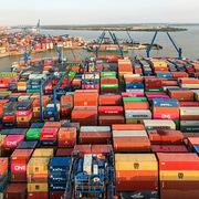 Cảng Cát Lái quá tải hàng tồn