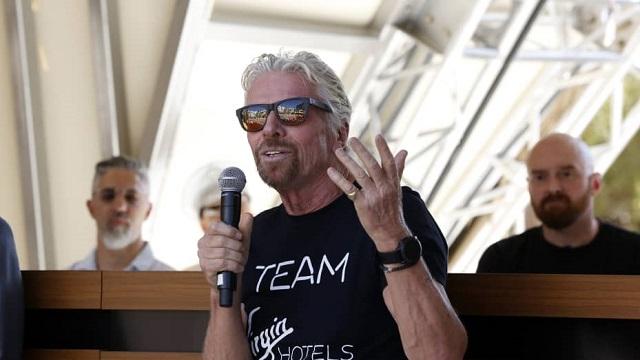 Tỷ phú Richard Branson gợi ý cách vượt qua sự nghi ngờ bản thân