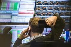 Khối ngoại bán ròng trở lại trong phiên 29/7, tâm điểm HPG và CCQ FUEVFVND