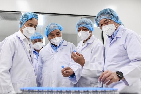 Chủ tịch nước yêu cầu Bộ Y tế sớm cấp phép vaccine Nanocovax