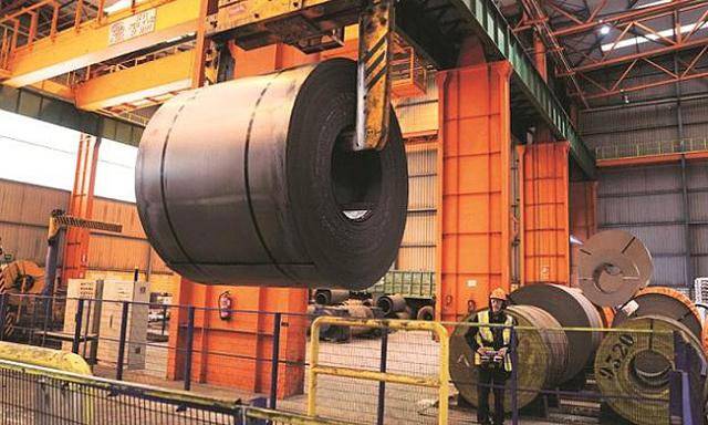 Thị trường quặng sắt đang 'sụp đổ' nhưng giá thép vẫn tăng nóng