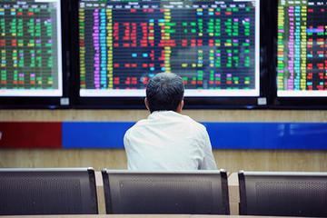 Áp lực bán mạnh, VN-Index thu hẹp đà tăng
