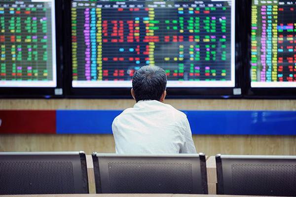 Cổ phiếu phân bón đua nhau tăng giá, VN-Index giằng co