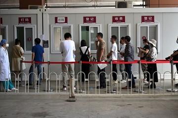 Trung Quốc phong tỏa hàng triệu dân vì cụm dịch Covid-19