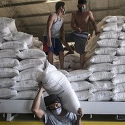 Bộ Công Thương: Sức cầu bên ngoài về hàng hóa Việt tăng cao những tháng tới