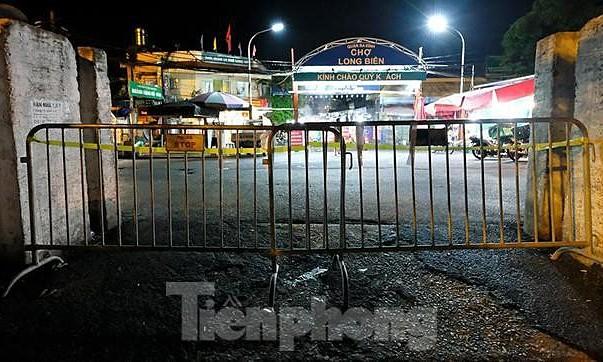 Hà Nội: Phong toả chợ Long Biên vì Covid-19