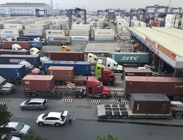 Gấp rút nhiều giải pháp giải tỏa hàng tồn tại cảng Cát Lái.