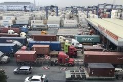 Hải quan gấp rút giải tỏa ùn tắc hàng hóa tại cảng Cát Lái