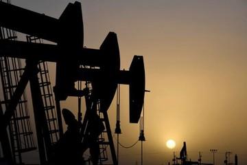 OPEC tăng sản lượng, lo ngại lực cầu khiến giá dầu lao dốc hơn 3%