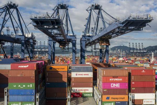 Chuỗi cung ứng toàn cầu đối mặt việc cảng lớn nhất nhì Trung Quốc dừng hoạt động