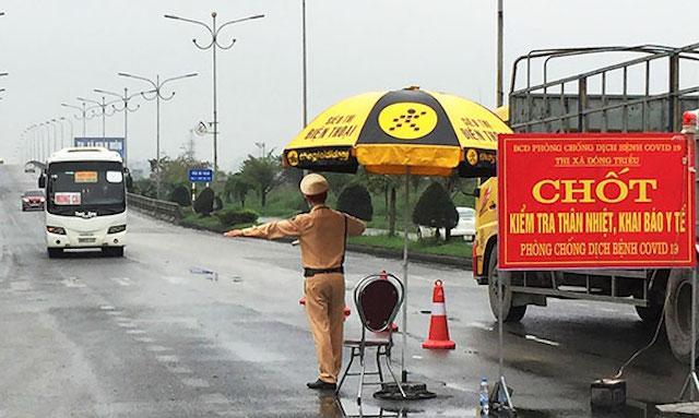Quảng Ninh: Không tập trung quá 5 người ngoài phạm vi công sở từ 12h trưa nay