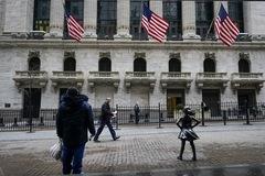 Nợ hộ gia đình Mỹ lên gần 15.000 tỷ USD trong quý II