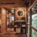 <p> Phòng tắm và nhà vệ sinh sang trọng. Cách bố trí làm liên tưởng đến những căn hộ khách sạn sang trọng tại Bali.</p>