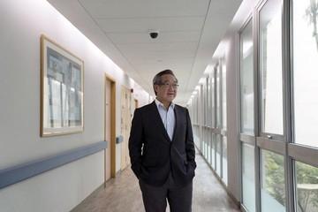 Vận hành 15 trung tâm tiêm chủng, bác sỹ Singapore trở thành tỷ phú