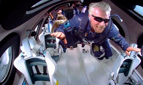 Gần nửa triệu USD một suất du lịch vũ trụ với công ty của tỷ phú Richard Branson