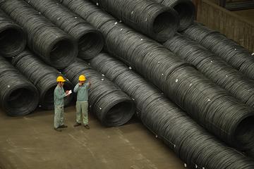 Tiêu thụ thép xây dựng Hòa Phát tăng trở lại nhờ công trình đầu tư công vẫn được thực hiện