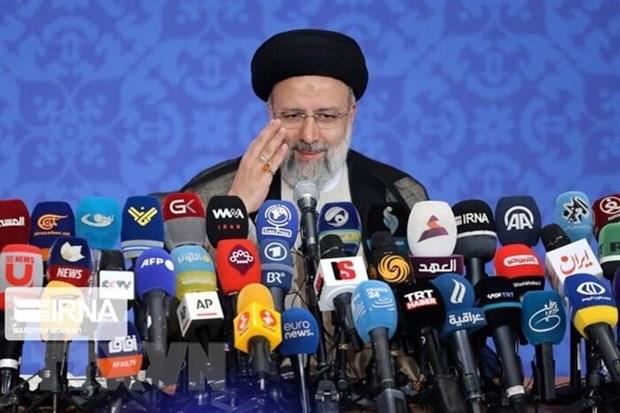 Tổng thống đắc cử Iran Ebrahim Raisi phát biểu sau lễ tuyên thệ nhậm chức ở Tehran. (Ảnh: IRNA/TTXVN)