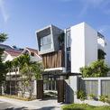 """<p class=""""Normal""""> Ngôi nhà tọa lạc tại một khu vực yên tĩnh, thanh bình của thành phố Nha Trang, cách xa trung tâm sầm uất.</p>"""