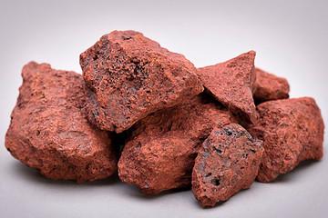 Giá quặng sắt thấp nhất hơn 4 tháng, đà giảm vẫn chưa dừng lại