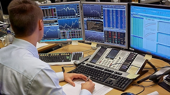 Khối ngoại đẩy mạnh bán ròng hơn 700 tỷ đồng trong phiên 11/8