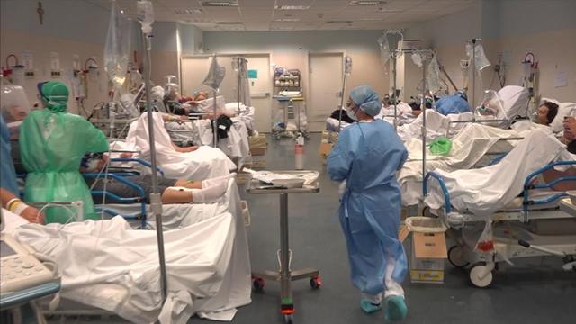 Bên trọng khu điều trị tích cực ở bệnh viện Bergamo, tỉnh Lombardy, Italia. Ảnh: Sky.