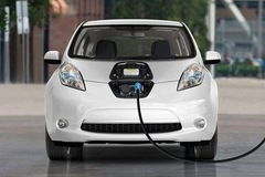 Bộ Tài chính dự kiến lệ phí trước bạ ôtô điện bằng 50% phương tiện chạy xăng, dầu
