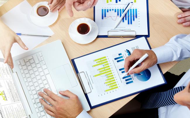 Bán mạnh cuối phiên, VN-Index giảm gần 5 điểm