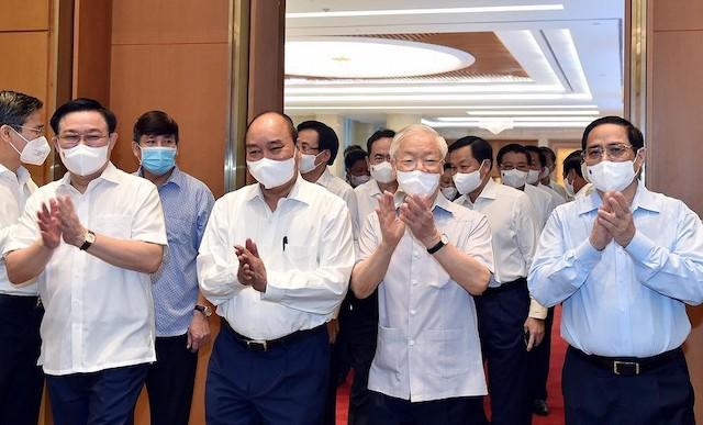 Tổng Bí thư Nguyễn Phú Trọng dự phiên họp toàn thể đầu tiên của Chính phủ khóa mới.