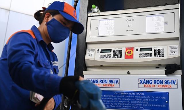 Tiêu thụ xăng giảm 70%, Bộ Công Thương đề nghị điều chỉnh kế hoạch nhập khẩu, ưu tiêu nguồn nội địa