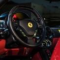 <p> Cung cấp sức mạnh cho Ferrari Enzo là động cơ V12 6.0L hút khí tự nhiên, sản sinh công suất tối đa 651 mã lực và mô-men xoắn 657 Nm.</p>