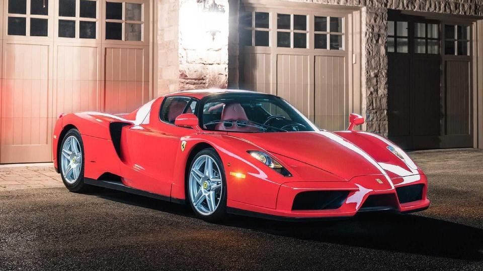Siêu xe Ferrari Enzo hàng hiếm được bán với giá 3,8 triệu USD