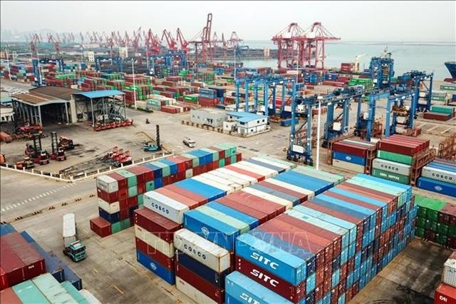 Hàng hóa được xếp tại Liên Vân Cảng, Trung Quốc. Ảnh: AFP/TTXVN
