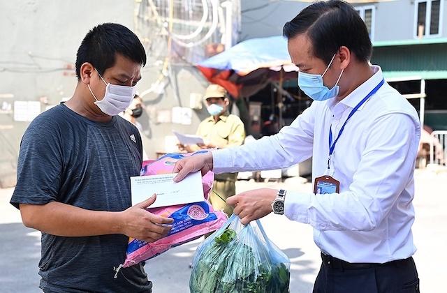 Hà Nội đang đề xuất thêm 10 nhóm lao động được nhận tiền hỗ trợ Covid-19.