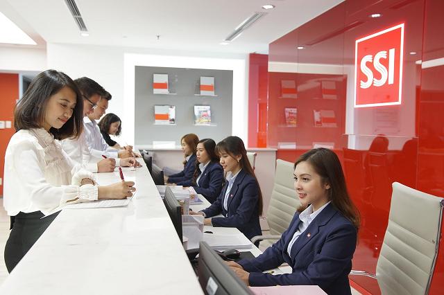 SSI chốt quyền thưởng và chào bán cho cổ đông gần 329 triệu cổ phiếu