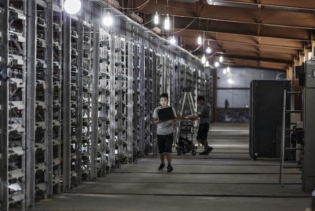 Thợ đào Bitcoin ồ ạt trở lại