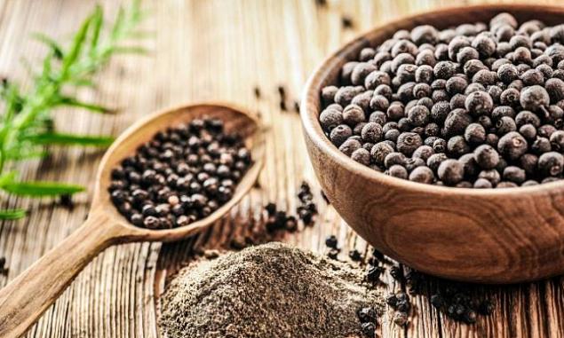 Giá cao su hạt tiêu tăng trong khi cà phê, thịt heo giảm nửa đầu tháng 8