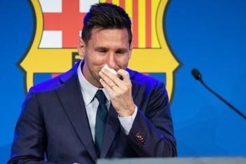 Khăn giấy Messi dùng lau mũi khi chia tay Barcelona được rao bán 1 triệu USD
