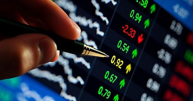 Cổ phiếu ngân hàng 'nhập cuộc', VN-Index tăng gần 14 điểm