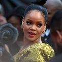 """<p class=""""Normal""""> <strong>Rihanna</strong></p> <p class=""""Normal""""> Tài sản: 1,7 tỷ USD</p> <p class=""""Normal""""> Nguồn tài sản: Mỹ phẩm, âm nhạc</p> <p class=""""Normal""""> Ngôi sao nhạc pop Rihanna là nữ nghệ sĩ Hollywood mới nhất được <em>Forbes</em> công nhận là tỷ phú. Tạp chí này ước tính 1,4 tỷ USD trong khối tài sản của Rihanna đến từ 50% cổ phần của cô tại thương hiệu mỹ phẩm Fenty Beauty. Phần tài sản còn lại đến từ cổ phần tại công ty đồ lót Savage x Fenty và thu nhập của cô với tư cách là một ca sĩ, diễn viên. (Ảnh: <em>AFP/Getty Images</em>)</p>"""