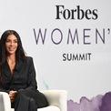 """<p class=""""Normal""""> <strong>Kim Kardashian West</strong></p> <p class=""""Normal""""> Tài sản: 1,2 tỷ USD</p> <p class=""""Normal""""> Nguồn tài sản: Mỹ phẩm, truyền hình thực tế</p> <p class=""""Normal""""> Nữ diễn viên này lần đầu xuất hiện trong bảng xếp hạng tỷ phú của <em>Forbes</em> công bố vào tháng 4 năm nay. Theo tạp chí này, tài sản của Kim tăng lên là nhờ sự phát triển của hãng mỹ phẩm KKW Beauty và hãng nội y Skims. Bên cạnh đó, cô còn kiếm tiền nhờ các show truyền hình, hợp đồng quảng cáo và các thương vụ đầu tư khác. (Ảnh: <em>Forbes</em>)</p>"""