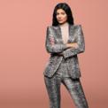 """<p class=""""Normal""""> <strong>Kylie Jenner</strong></p> <p class=""""Normal""""> Tài sản: 620 triệu USD</p> <p class=""""Normal""""> Nguồn tài sản: Mỹ phẩm</p> <p class=""""Normal""""> Kylie Jenner, em gái của Kim Kardashian từng được <em>Forbes</em> vinh danh là nữ tỷ phú tự thân trẻ nhất thế giới. Tuy nhiên, tháng 5/2020, tạp chí này tuyên bố Kylie không phải là tỷ phú vì cho rằng cô đã thổi phồng tài sản. (Ảnh: <em>Forbes</em>)</p>"""