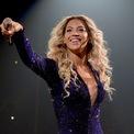 """<p class=""""Normal""""> <strong>Beyoncé Knowles</strong></p> <p class=""""Normal""""> Tài sản: 440 triệu USD</p> <p class=""""Normal""""> Nguồn tài sản: Âm nhạc</p> <p class=""""Normal""""> Beyoncé đang là nữ ca sĩ đoạt nhiều giải thưởng Grammy nhất. Tour lưu diễn On the Run II của Beyoncé và chồng cô, Jay-Z đã thu về khoảng 250 triệu USD. Jay-Z hiện là một tỷ phú, theo <em>Forbes</em>. (Ảnh: <em>Getty Images</em>)</p>"""