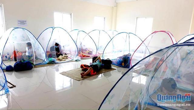 Công ty CP Thép Hòa Phát Dung Quất đã bố trí cho cán bộ, công nhân viên ăn, ở ngay trong khu vực nhà máy.